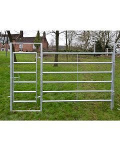 Bateman Cattle Hurdle with Access Gate - 2.5m